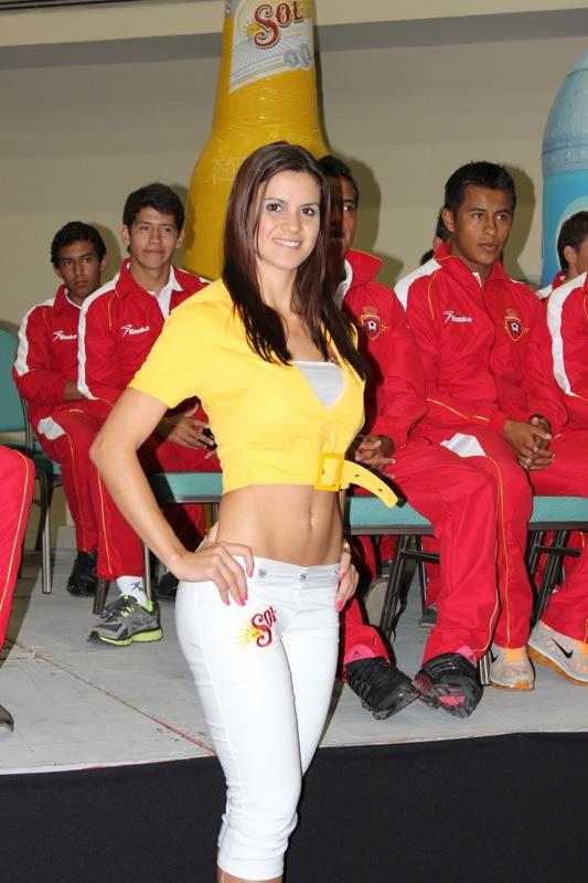 edecanes-canoneros-201214