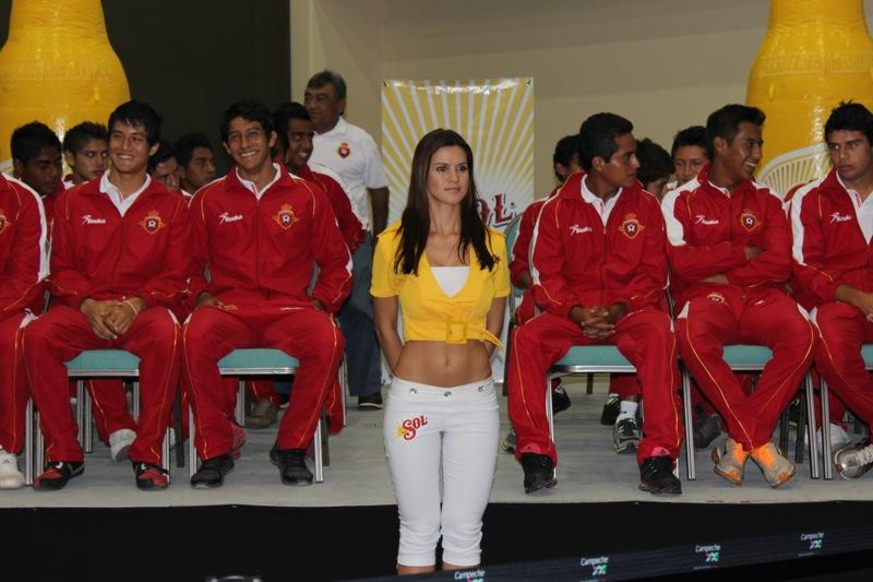 edecanes-canoneros-201221