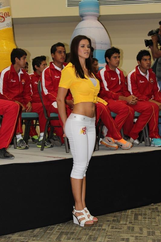 edecanes-canoneros-201223