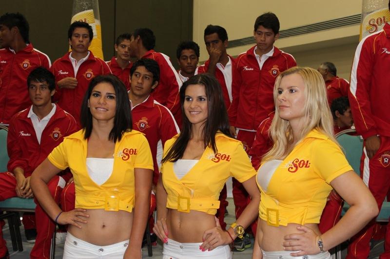 edecanes-canoneros-201229