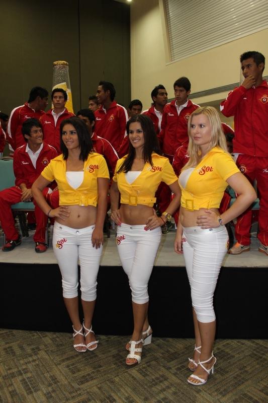 edecanes-canoneros-201230