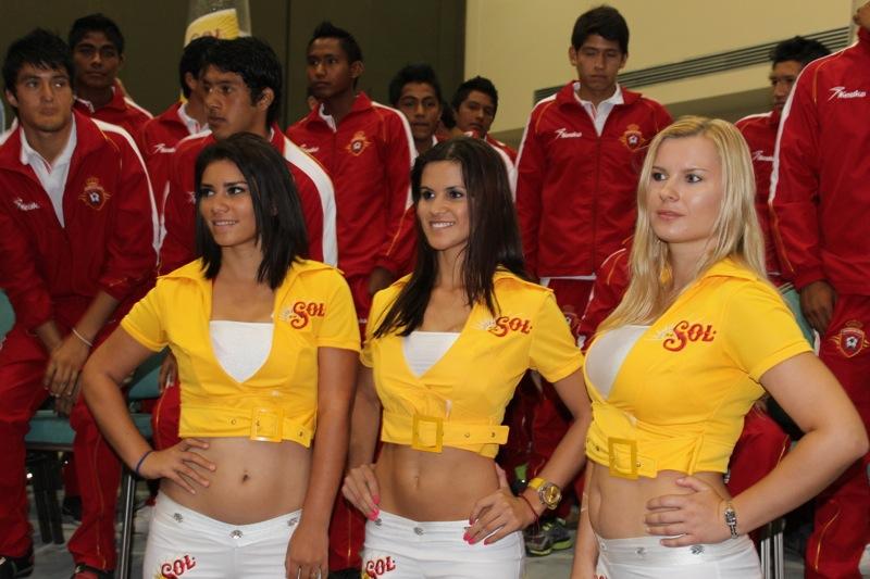 edecanes-canoneros-201231