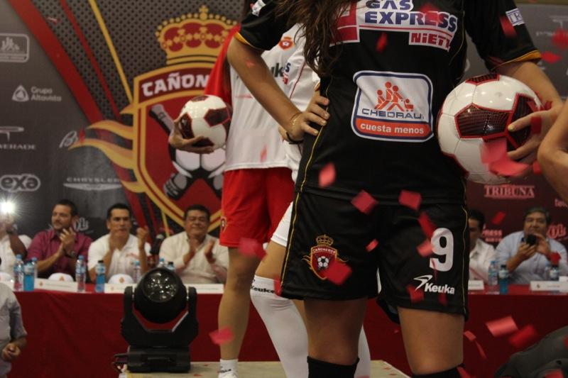 edecanes-canoneros-201252