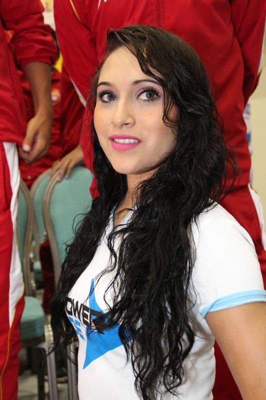edecanes-canoneros-201260