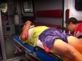 IMPRUDENTE MOTOCICLISTA ATROPELLA A CICLISTA; TERMINAN EN HOSPITAL