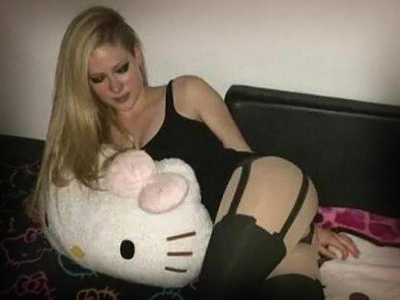 Avril-Lavigne-7944