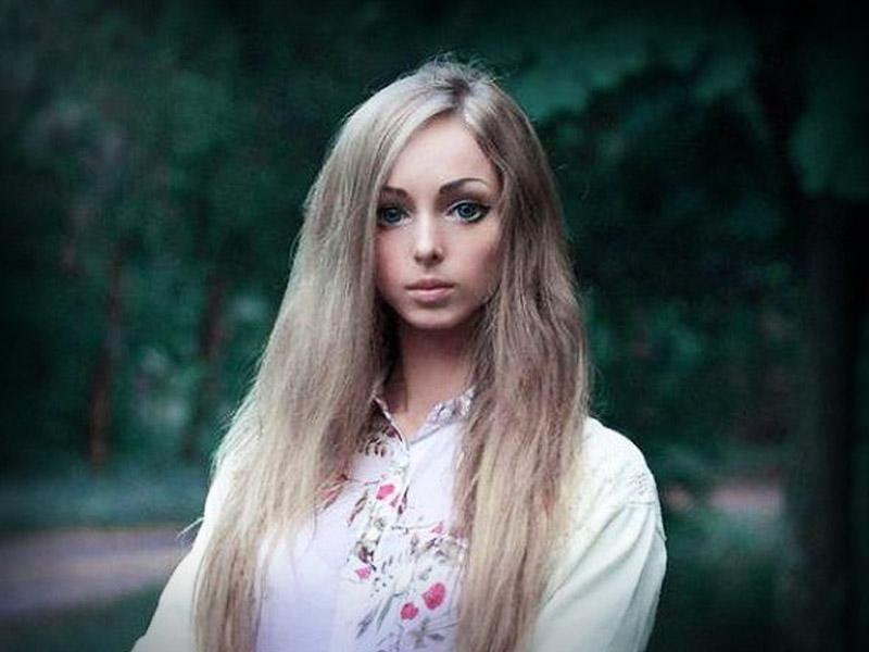 barbie-Valeria-Lukyanova-ucrania-7723