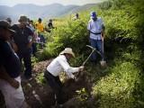 HALLAN MÁS INDICIOS DE ESTUDIANTES EN NUEVE FOSAS DE IGUALA