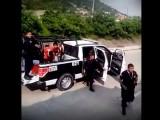 VIDEO: ABUSO DE PODER EN GUERRERO CONTRA MENORES DE EDAD POR POLICÍAS