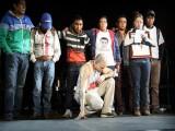 VIDEO: 'CALLE 13' CEDE ESPACIO EN CONCIERTO A PADRES DE NORMALISTAS