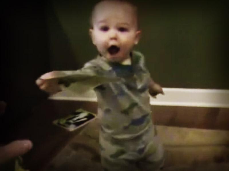 bebe-16-meses-sabe-leer