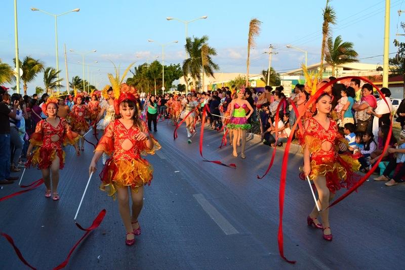 desfile-de-las-flores-campeche-2015-09