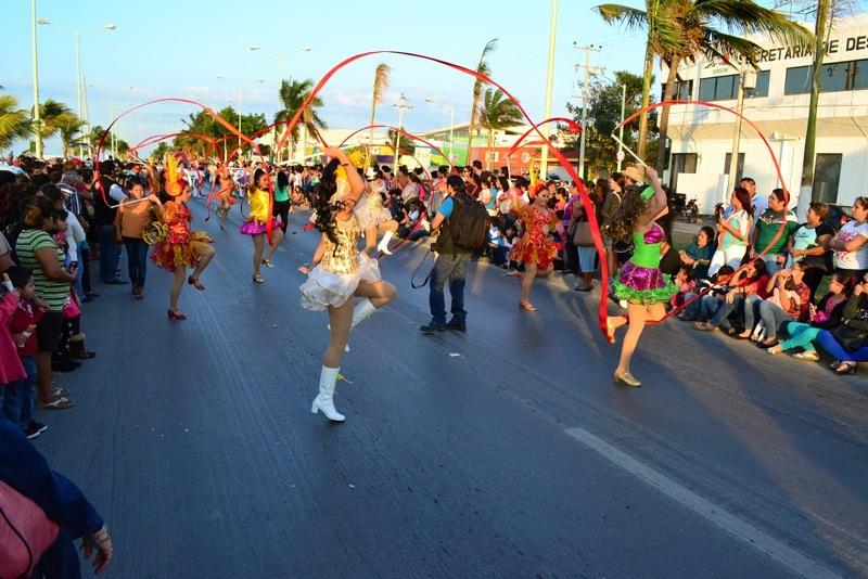 desfile-de-las-flores-campeche-2015-12