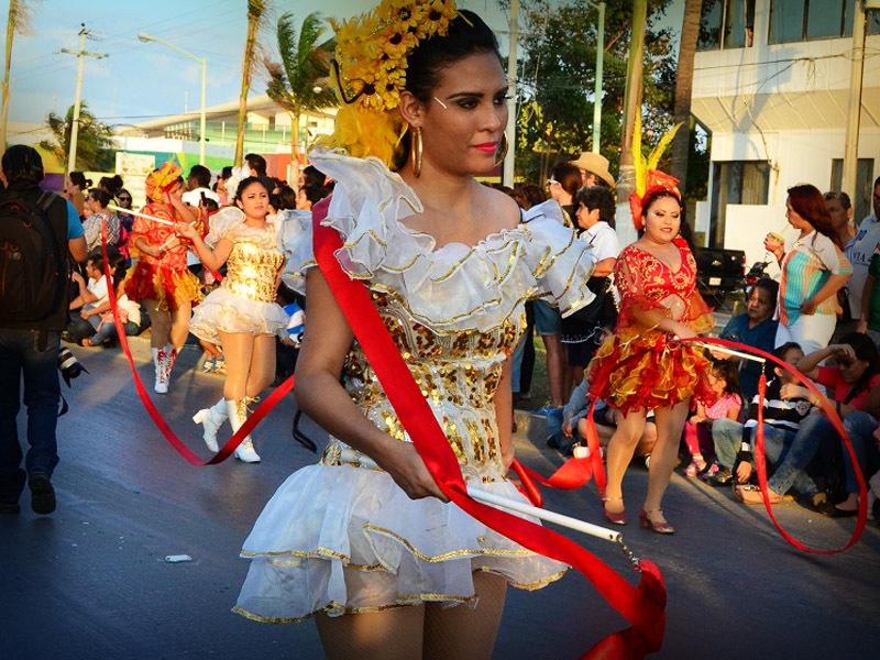 desfile-de-las-flores-campeche-2015-13