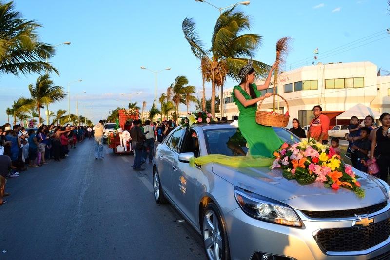 desfile-de-las-flores-campeche-2015-17
