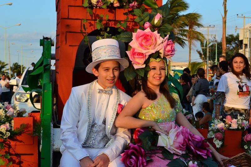 desfile-de-las-flores-campeche-2015-20