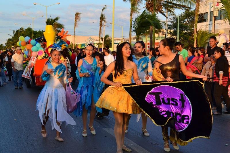 desfile-de-las-flores-campeche-2015-22