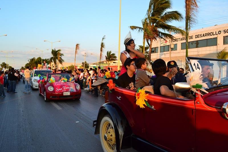 desfile-de-las-flores-campeche-2015-26
