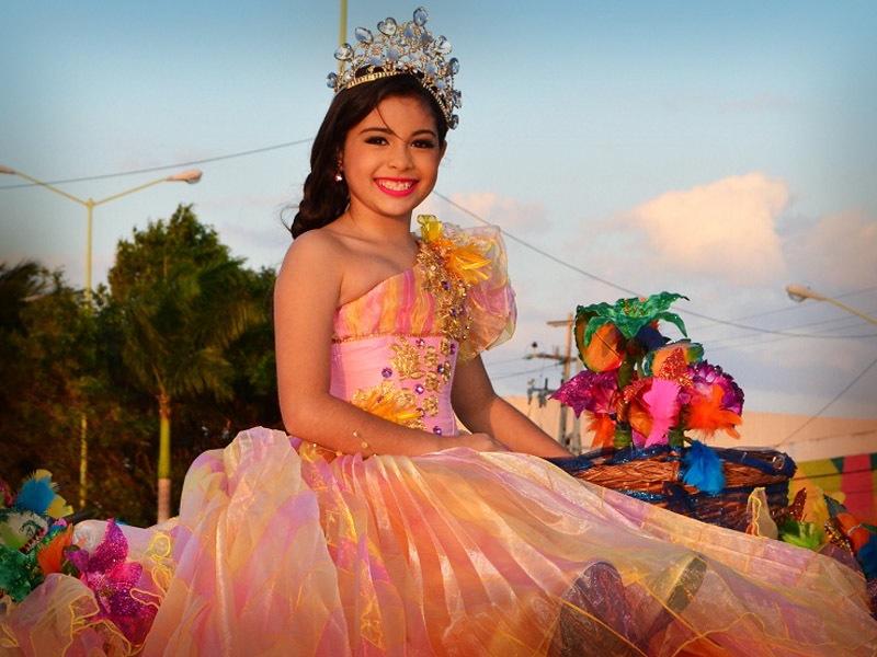 desfile-de-las-flores-campeche-2015-38