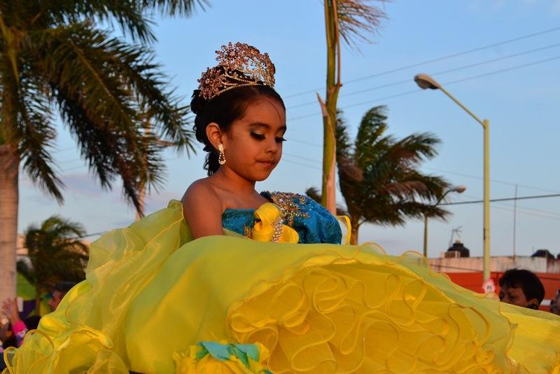 desfile-de-las-flores-campeche-2015-39