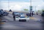 """MEX01. CULIACÁN (MÉXICO), 27/08/2016.- Fotografía de este viernes 26 de agosto de 2016 del sitio donde dos sujetos armados mataron a balazos en el noroccidental estado de Sinaloa (México) a Geovanny Parra Zambada, sobrino de Ismael """"el Mayo"""" Zambada, líder del cártel de Sinaloa junto a Joaquín """"el Chapo"""" Guzmán. Según reveló el elemento policial, que por seguridad prefirió guardar el anonimato, en el suceso falleció el sobrino del Mayo y otro hombre identificado como Juan """"N"""". EFE/Roberto Valenzuela/MÁXIMA CALIDAD DISPONIBLE"""